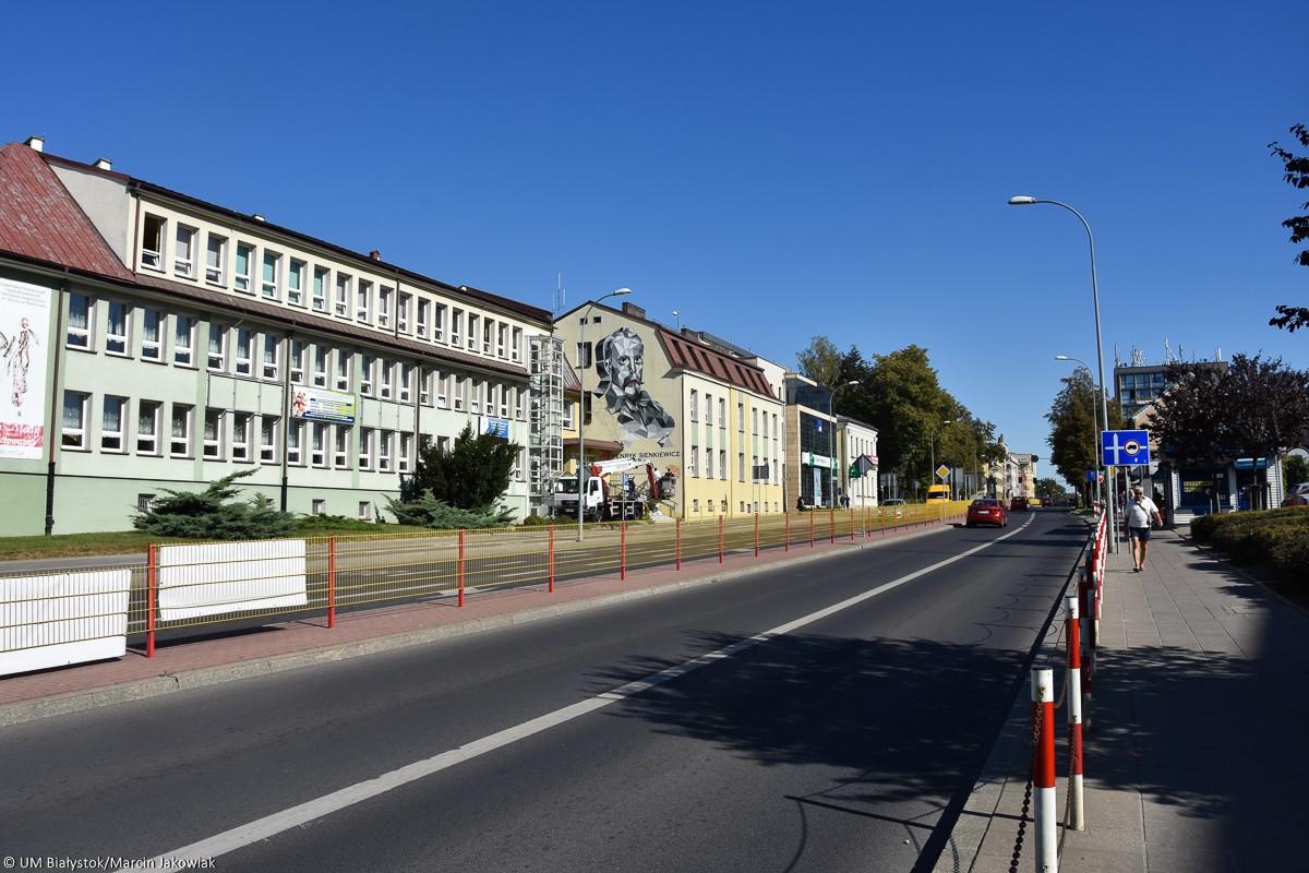 Henryk Sienkiewicz na nowym muralu w mieście