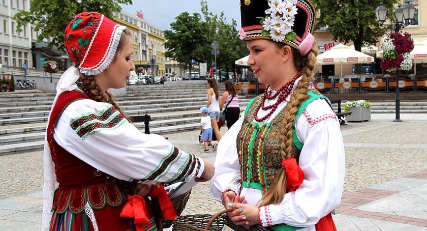 Kulturalnie, Można składać wnioski projekty kulturalne wzięcia ponad półtora miliona - zdjęcie, fotografia
