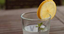 Dla lepszego zdrowia trzeba pić wodę